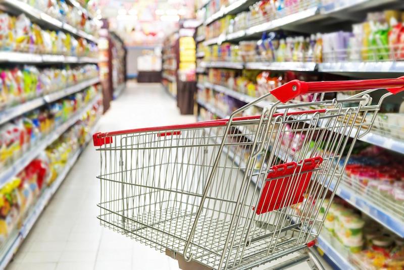 «Никогда не смотрите по телевидению, что говорит Малышева»: врач назвал опасные продукты в магазинах