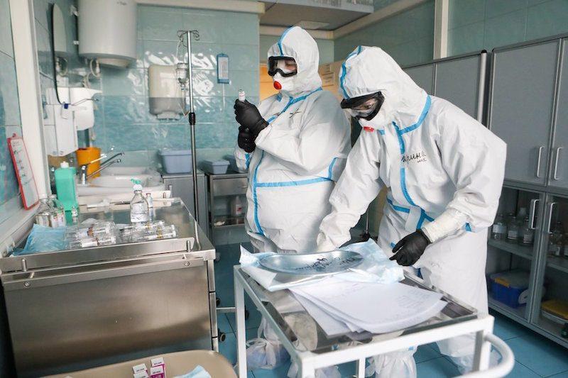Большинство российских врачей считает официальную статистику недостоверной