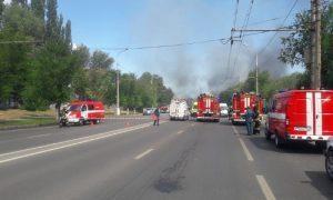 В Волгограде взрыв разнес газовую АЗС. Горожане сняли его на видео