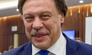«Садист и извращенец»: Михаила Барщевского обвинили в принуждении к «мерзкому сексу»