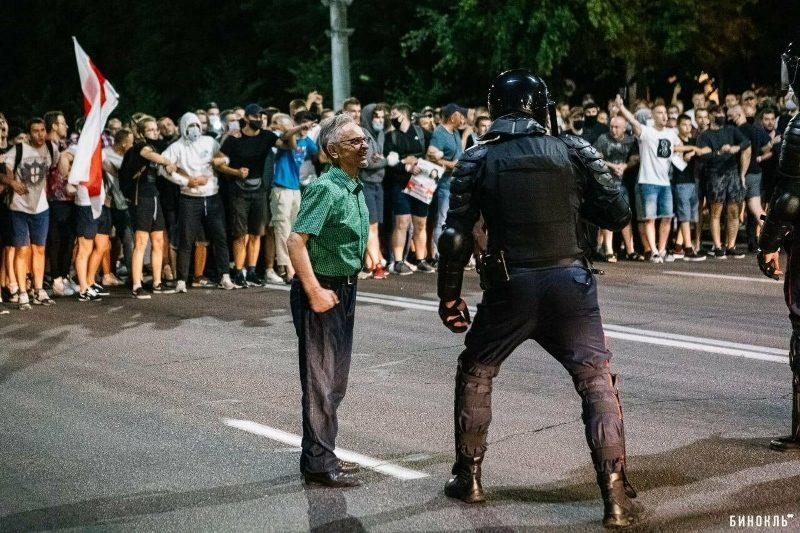 Акции протеста продолжаются в Белоруссии четвертые сутки