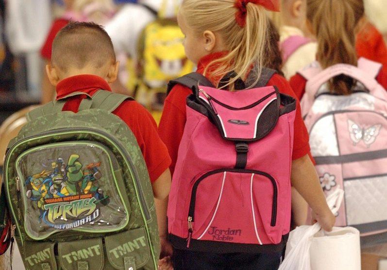 В Роспотребнадзоре подсчитали, сколько должен весить рюкзак школьника