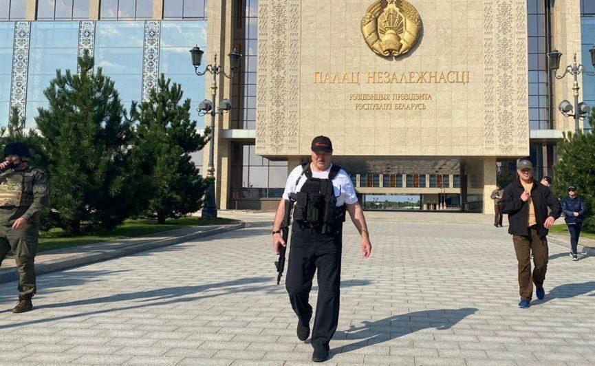 Лукашенко снова схватился за оружие