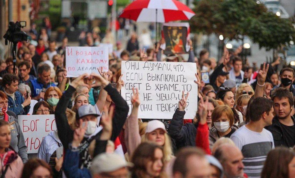 В Минске снова задержания. В автозаках оказались российские журналисты