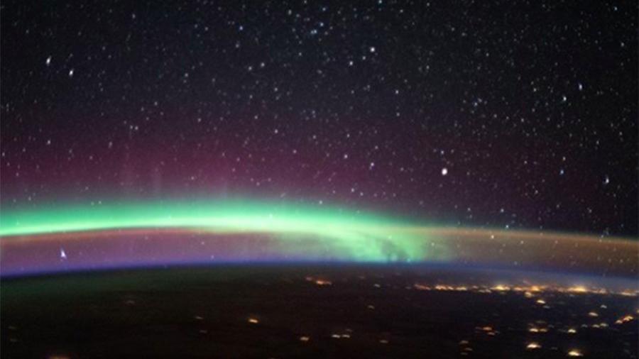 NASA опубликовало фото феномена - в небе сошлись два самых ярких явления