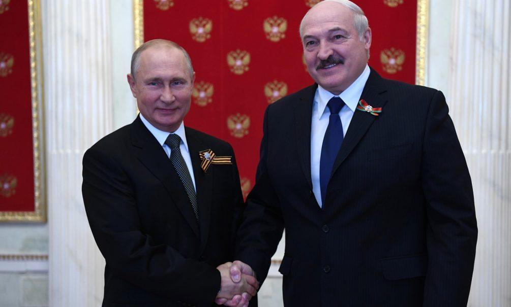 «Лукашенко для Путина - лишь инструмент»: «Блокнот» спросил экспертов, являются ли друзьями лидеры братских государств