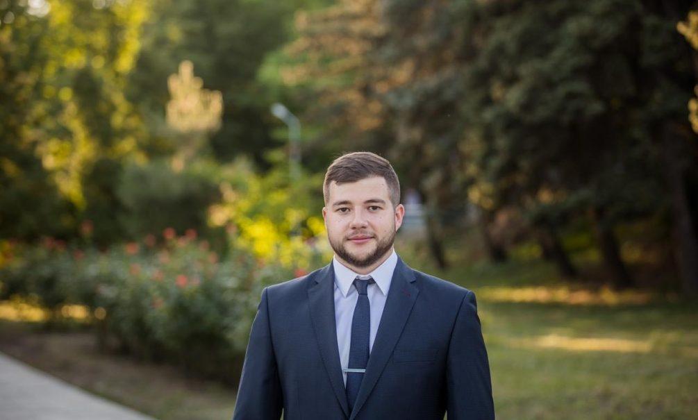 Депутат из Таганрога живет на 12 тысяч в месяц, но ездит на «Ауди», «БМВ» и «Ситроене»