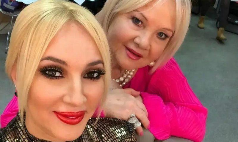 «Отнялась вся левая сторона»: мать Леры Кудрявцевой  попала в больницу с инсультом