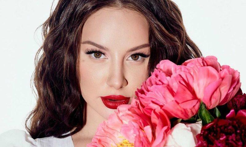 До мурашек: певица Asti исполнила свою песню вместе с девочкой с ДЦП
