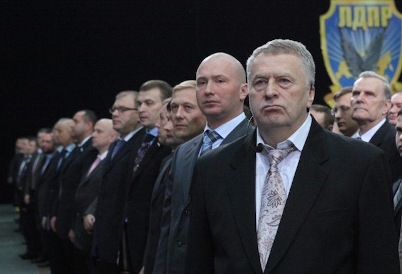 Жириновский требует вакцины от COVID-19 для себя и членов ЛДПР