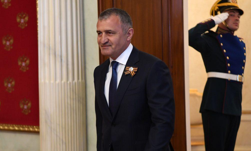 Южная Осетия оказалась на грани революции