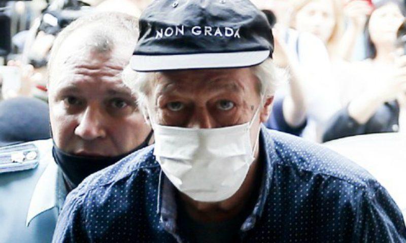 «Меня приговорили к казни!»: Михаил Ефремов требует у суда провести экспертизу