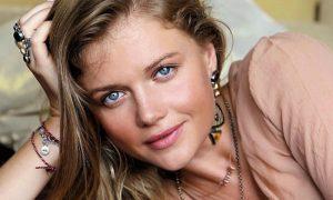 «Разбил телефон и угрожал»: Маша Ивакова рассказала об иностранце-абьюзере