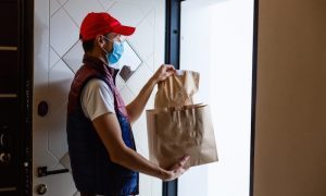 Россиян предупредили: доставка товаров подорожает в два раза