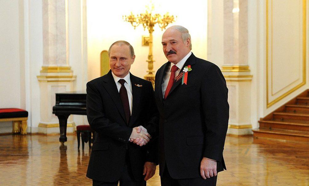 «Наиболее выгодным для Москвы вариантом может стать «слив» Лукашенко»