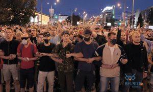 Первые жертвы, блокировка интернета, похищения журналистов: день после выборов в Белоруссии