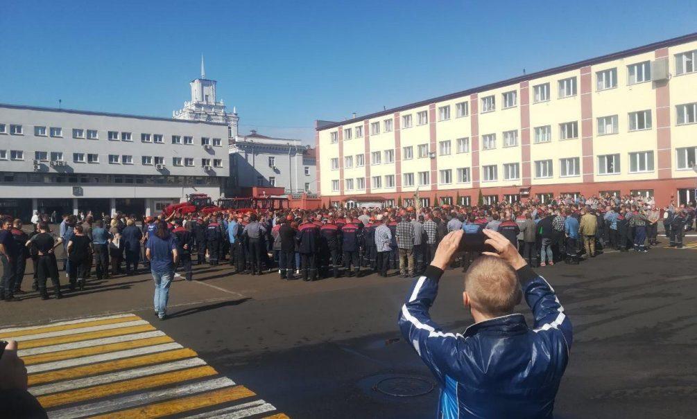 Белоруссия погружается в забастовки: протестуют и «БелАЗ», и «МАЗ»