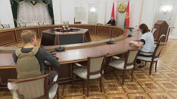 Лукашенко схватился за автомат из-за очередной акции протеста в Минске