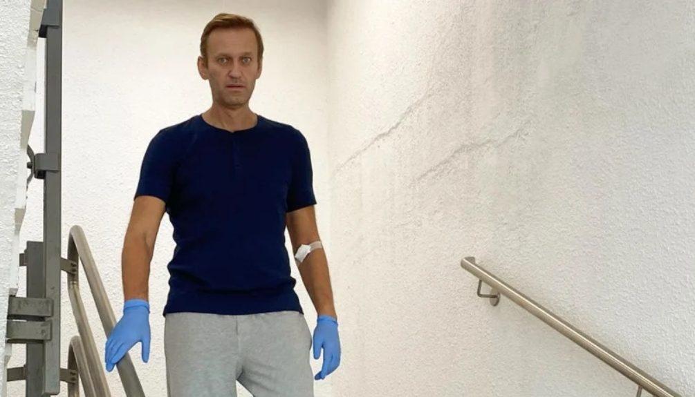 «Я парень, у которого дрожат ноги»: Навальный рассказал, что с ним творилось после комы