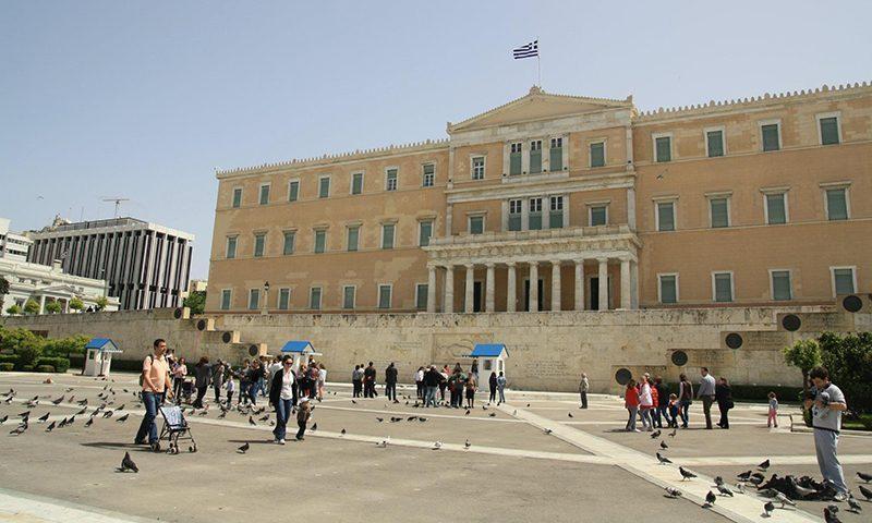 Для смелых или богатых: Греция решила приоткрыться россиянам на две недели