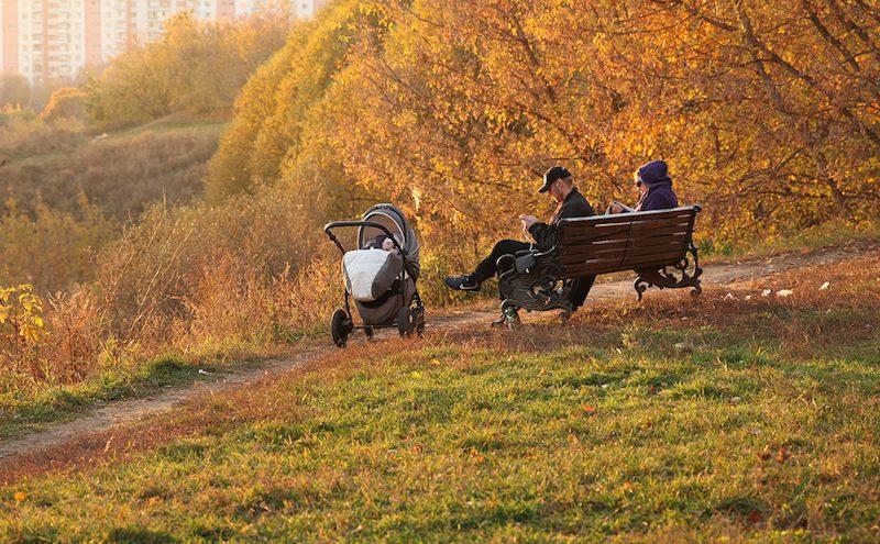 Правительству предложили выплачивать постоянные пособия безработным россиянам с детьми