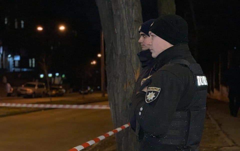 То ли избил гигант, то ли сбил поезд: в Киеве загадочно погибла сотрудница посольства США