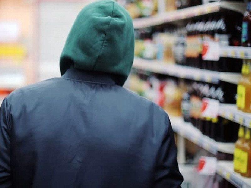 Забайкальский «Робин Гуд» ограбил бутик и раздал деньги бедным