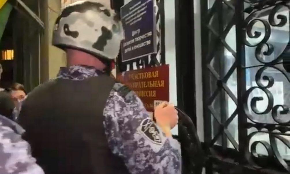В Краснодаре членов избиркома поймали на попытке вбросить бюллетени