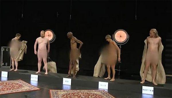 """Стриптиз на детском ТВ в Дании: голые волонтеры показывают подросткам как выглядит """"нормальное взрослое тело"""""""
