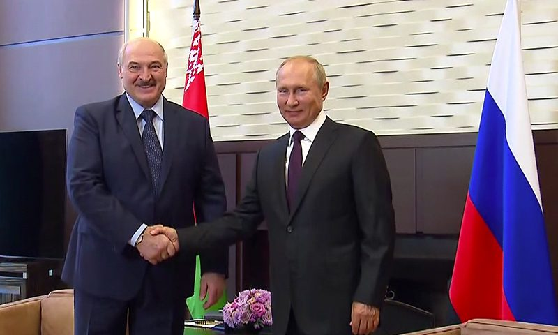 Лукашенко «кинет» Путина? Мнение экспертов