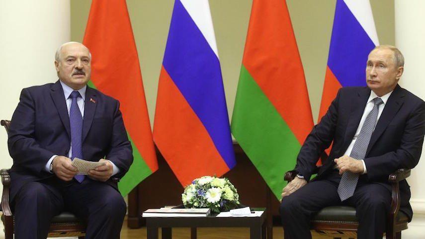 «Нам надо теснее держаться с нашим старшим братом»: Лукашенко встретился с Путиным
