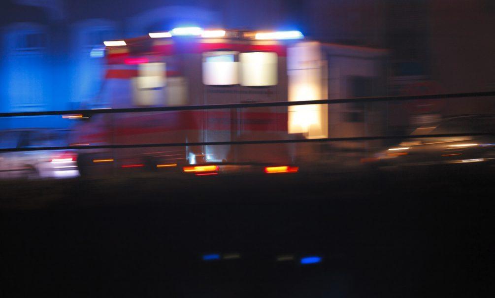 В Волжском скорая высадила пациентку с температурой 39 ночью посреди города