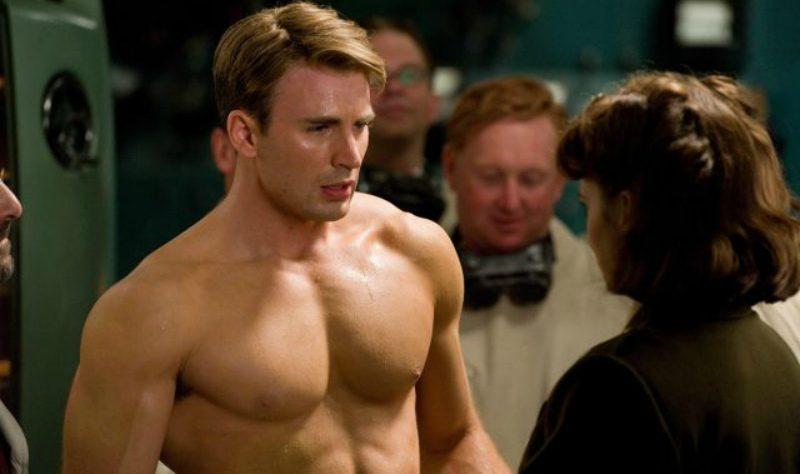 Звезда «Мстителей» Крис Эванс случайно засветил интимную часть тела
