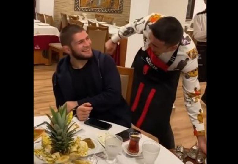 Бурак снова похвастался видео с Хабибом