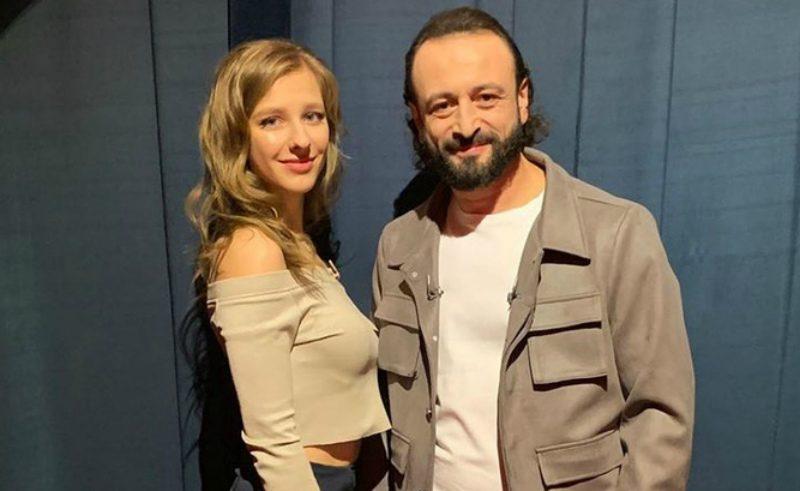 «Влюблена как кошка»: Илья Авербух и Лиза Арзамасова впервые появились вместе на телешоу
