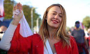 Марш по перекрытому городу: десятки тысяч человек вышли на седьмую воскресную акцию протеста в Белоруссии