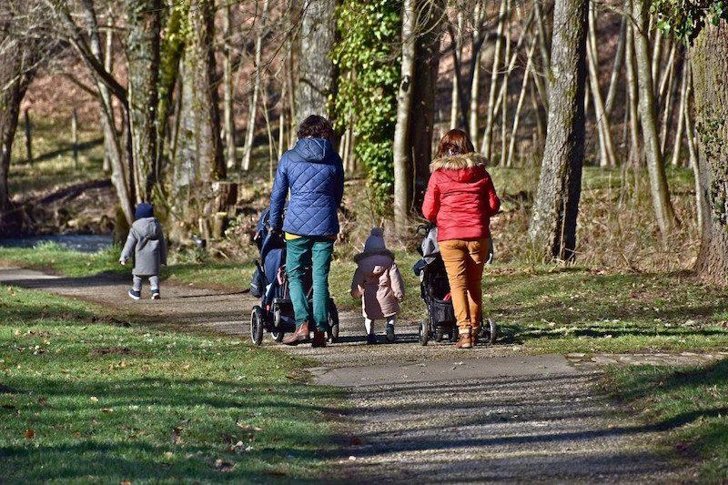 Безработным россиянам государство выплатит дополнительное пособие на детей