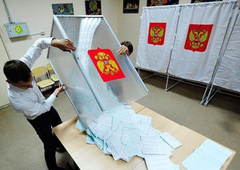 """""""Большинство отстраненно-брезгливо смотрит на «игру в выборы»: эксперты подвели итоги Единого дня голосования"""