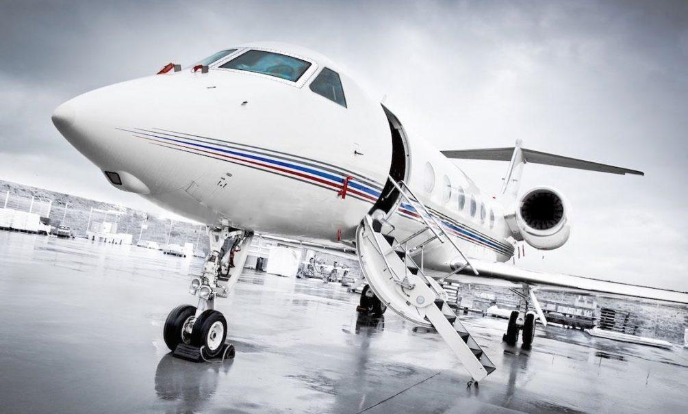 У кого-то дела совсем туго: частный самолет, на котором летал патриарх Кирилл, выставили на продажу