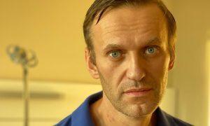 «Других версий у меня нет»: Навальный уверен, что его заказал Путин