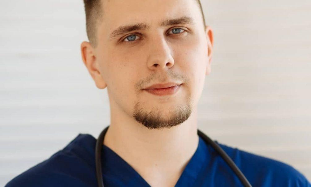 «Прививаться «Спутником» было не страшно, я фаталист»: хирург о вакцине от коронавируса