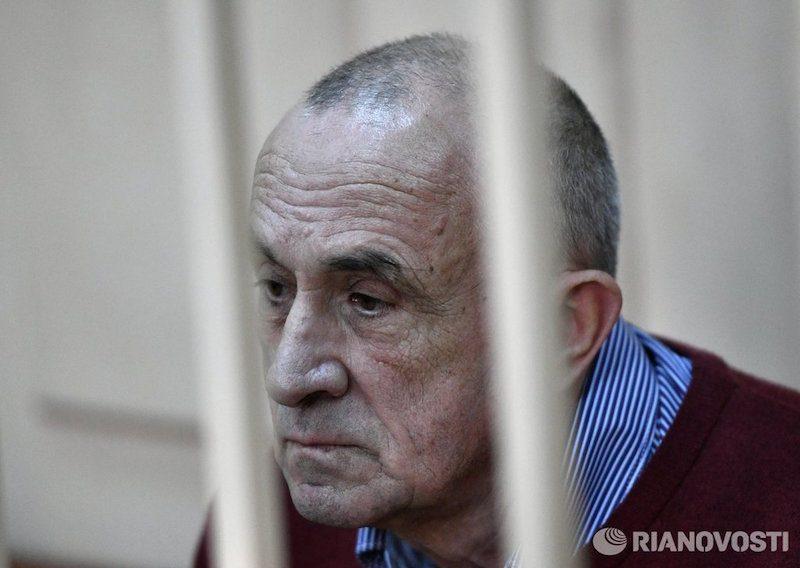 За взятку в 140 млн рублей экс-главе Удмуртии дали десять лет колонии. Еще и должен остался