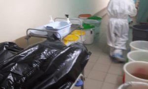 В ульяновском ковид-госпитале трупы складывают в коридоре