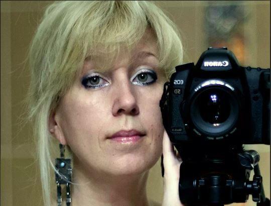 Покончила с собой возле здания МВД главред нижегородского СМИ. Что говорят о трагедии