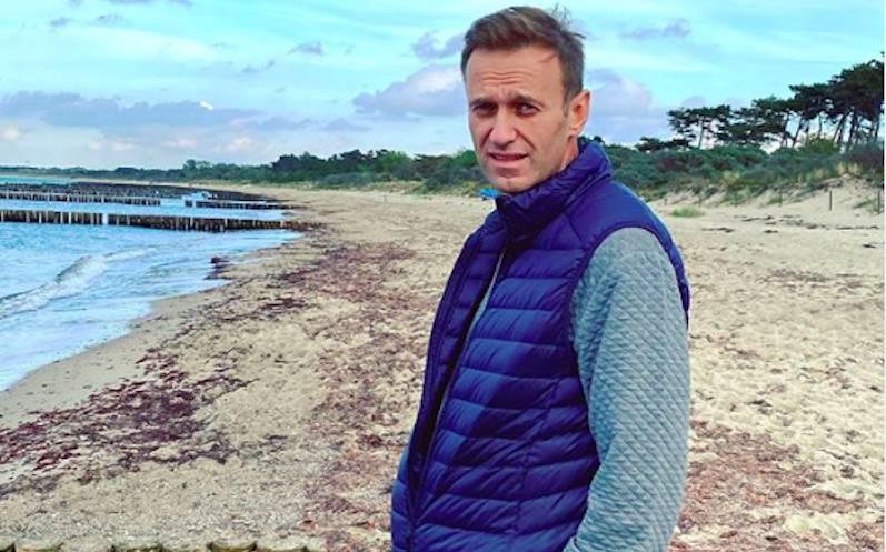 """""""Воскрешение"""" пошло не по плану? Эксперт объяснил истерику Навального в соцсетях"""
