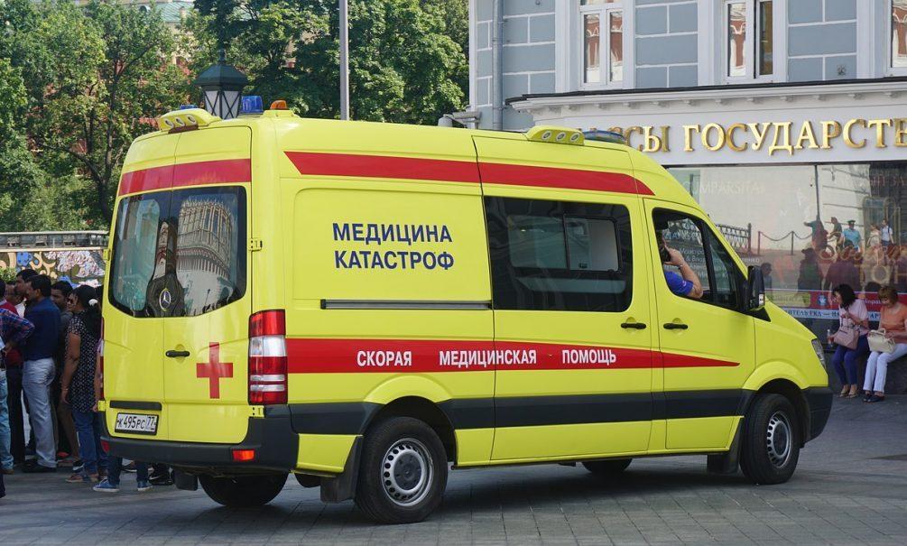 Омские скорые везут больных COVID-19 сразу в минздрав – в больницах нет мест