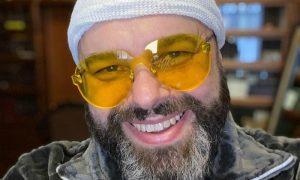 Ушиб грудной клетки и переломы ребер: Максим Фадеев упал с электросамоката