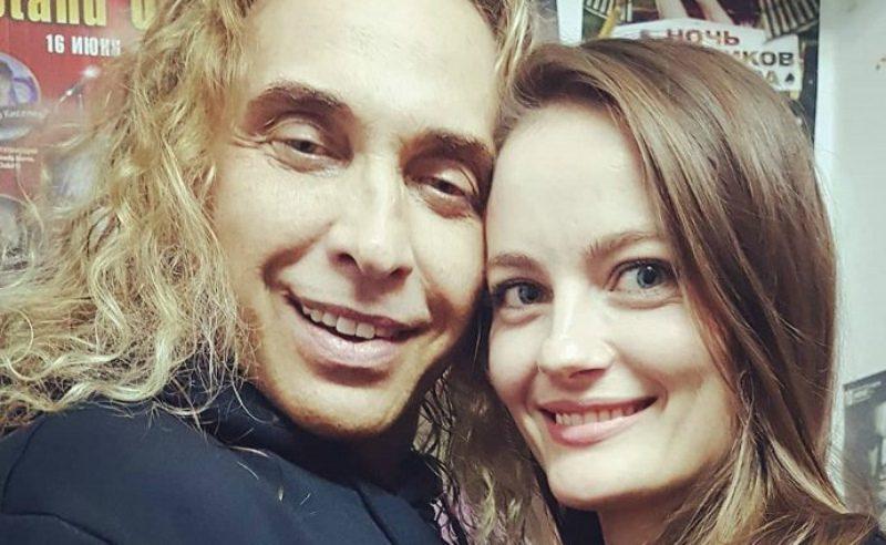«Получила черепно-мозговую»: Тарзан толкнул любовницу на встрече после скандала