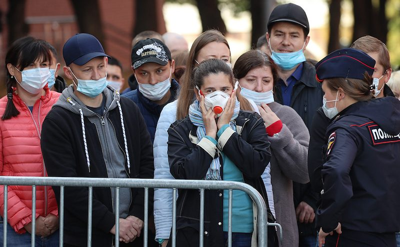 «Люди начали придумывать мифы»: врач назвал популярные заблуждения о коронавирусе