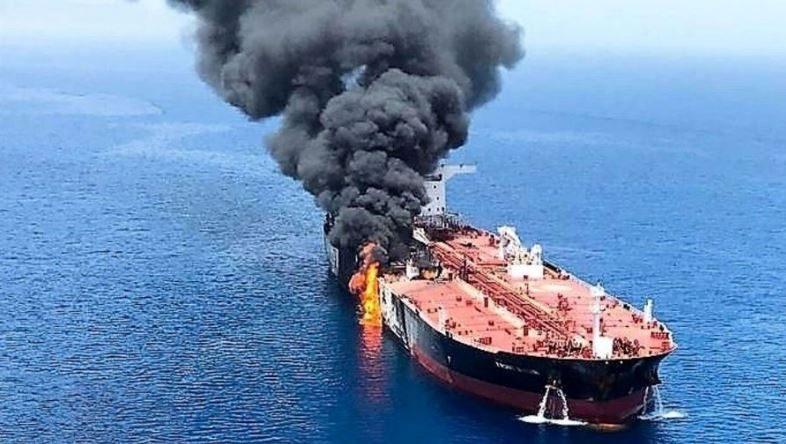 В Азовском море взорвался нефтяной танкер под российским флагом